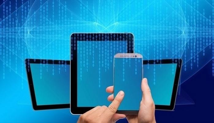 Tablete Dönüşebilen Katlanabilir Telefon