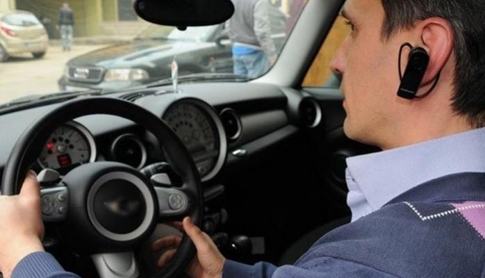 Swiss Charger V8 Bluetooth Araç Kiti ile Güvenli ve Keyifli Yolculuk
