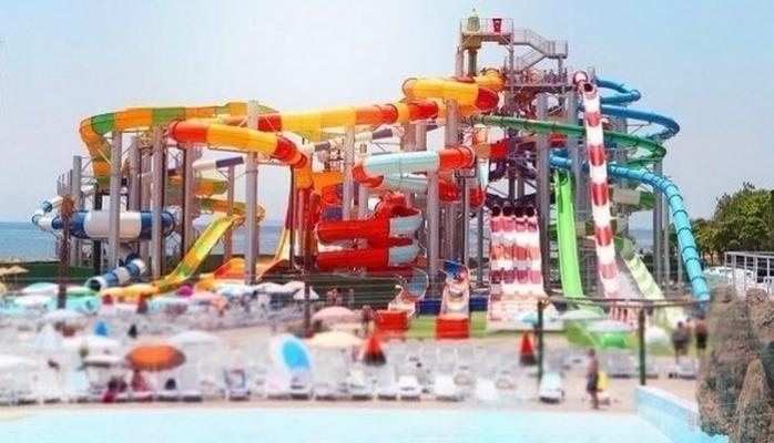Anadolu Yakası'nın İlk ve Tek Su Parkı Açıldı
