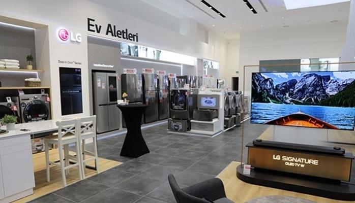 En Büyük Mağazası İzmir Hilltown Alışveriş Merkezi'nde