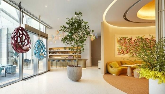 Louis Vuitton'un İlk Kafe ve Restoranı İçinde