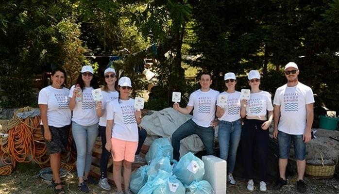 Proje Kapsamında Sahil Plastiği Topluyorlar