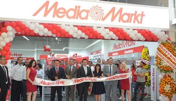 74. Mağazasını İzmir'de Açtı