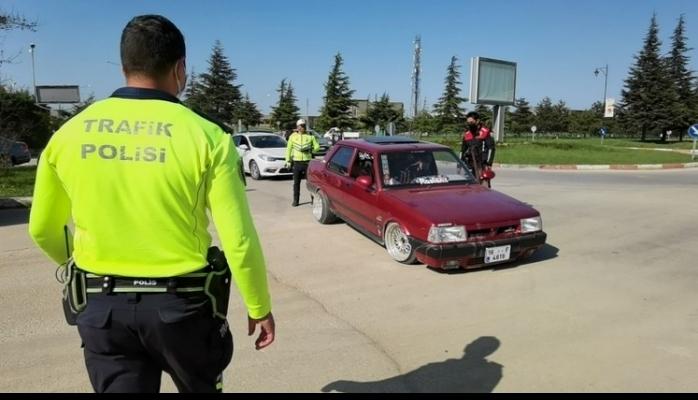 Kanuna Aykırı Modifiye Trafikte Tehlike Yaratıyor