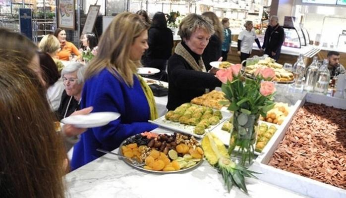 Büyükelçi Eşlerinden Türk Marketine Ziyaret
