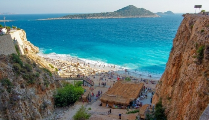 Yaklaşık Her İki Kişiden Birisi Bayram Tatilde Akdeniz'i Tercih Ediyor