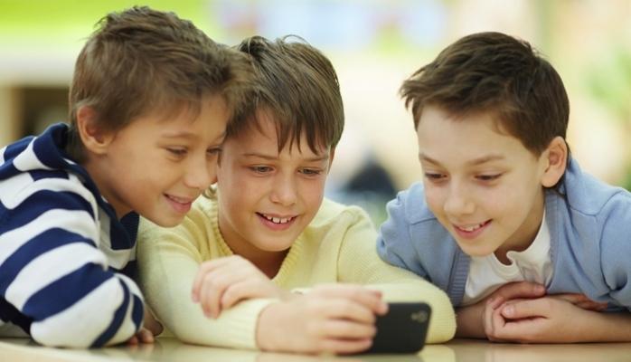 Türkiye'deki Çocukların Yüzde 59'u Akıllı Telefon Sahibi