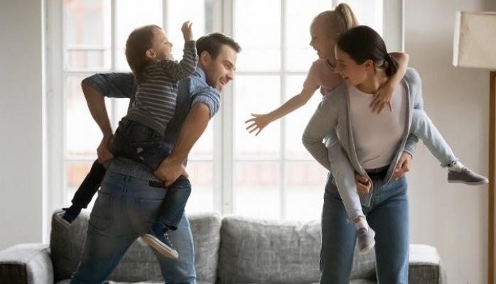 """Anne Babalara """"Yeni Normal"""" Önerileri"""