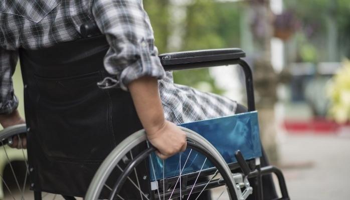 Çevre Düzenlemelerindeki Eksiklikler Engellileri Eve Mahkum Ediyor