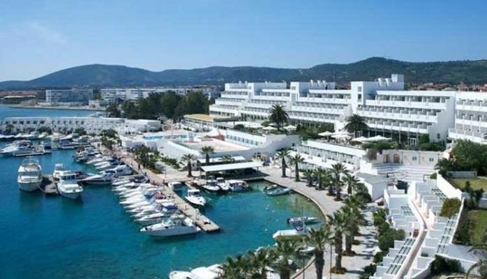 Altın Yunus Çeşme Resort & Termal Otel 1 Nisan'da Kapılarını Açıyor