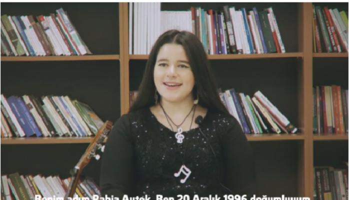 Otizmli Rabia Aytek 23 Yaşında 23 Müzik Aleti Çalıyor